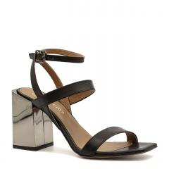Czarne skórzane sandały na srebrnym lustrzanym słupku 133F