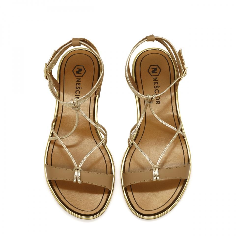 Karmelowo złote skórzane sandały z cienkimi paseczkami zapinane wokół kostki 67F