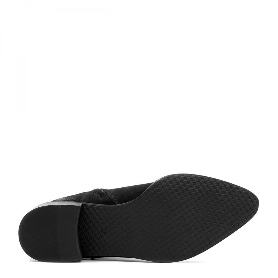 Czarne botki ze skóry nubukowej na niskim obcasie 221B