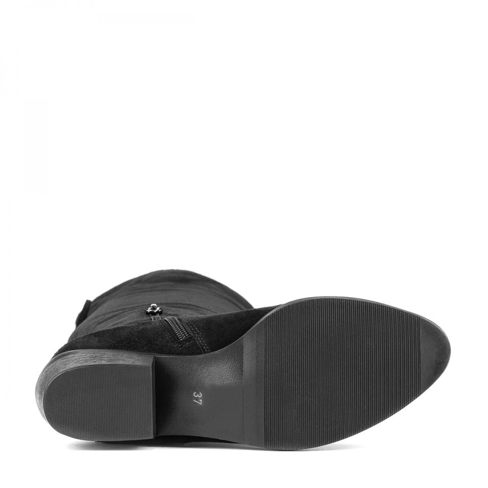 Czarne welurowe kozaki muszkieterki 28F