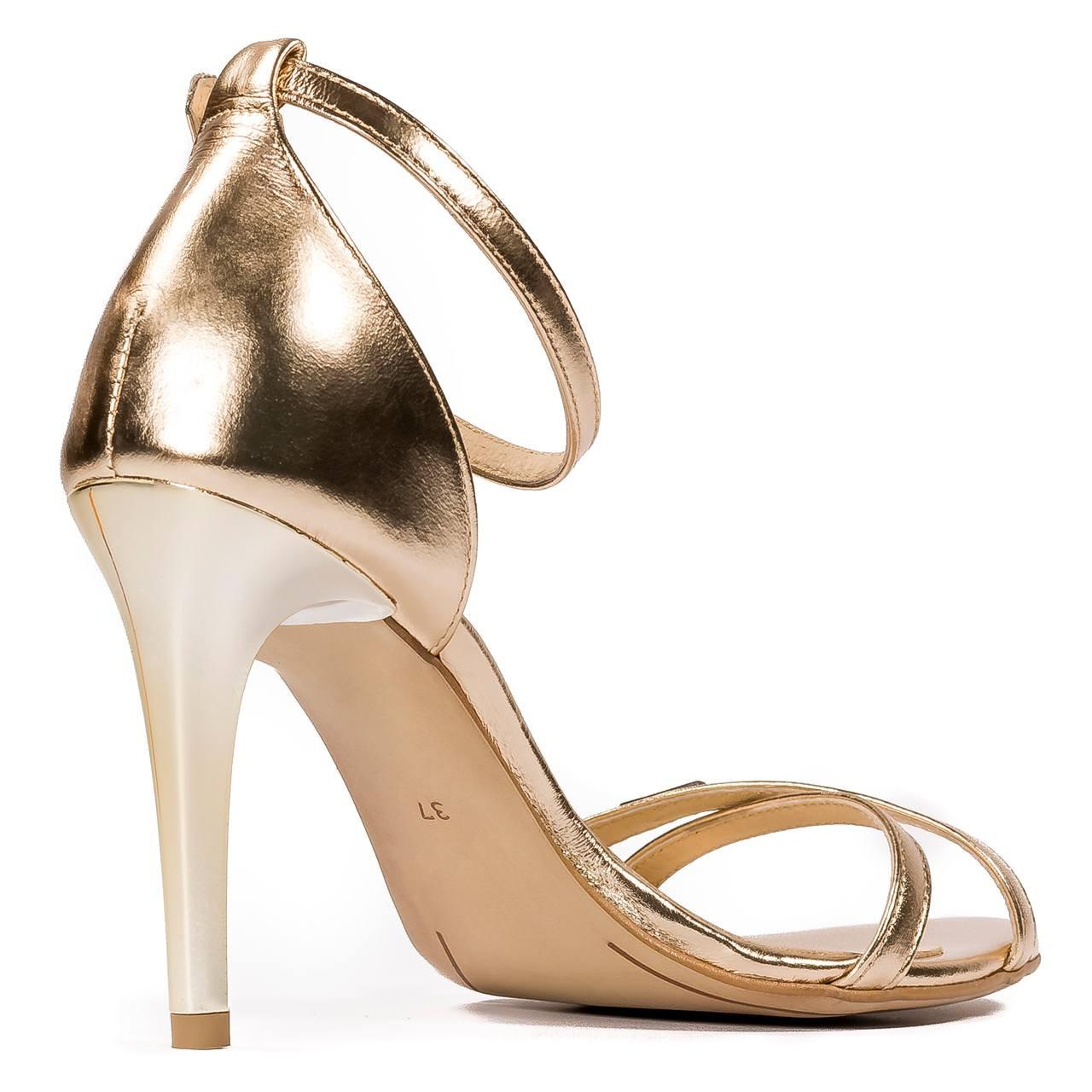 Złote skórzane sandały na obcasie z paskami 04S1 Neścior