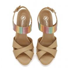 Karmelowe skórzane sandały z szerokimi paskami 85C