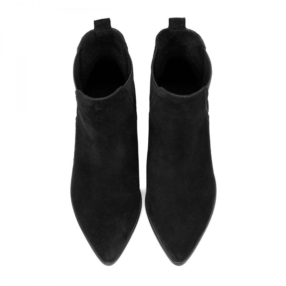 Czarne welurowe botki na ozdobnym wysokim obcasie 42S