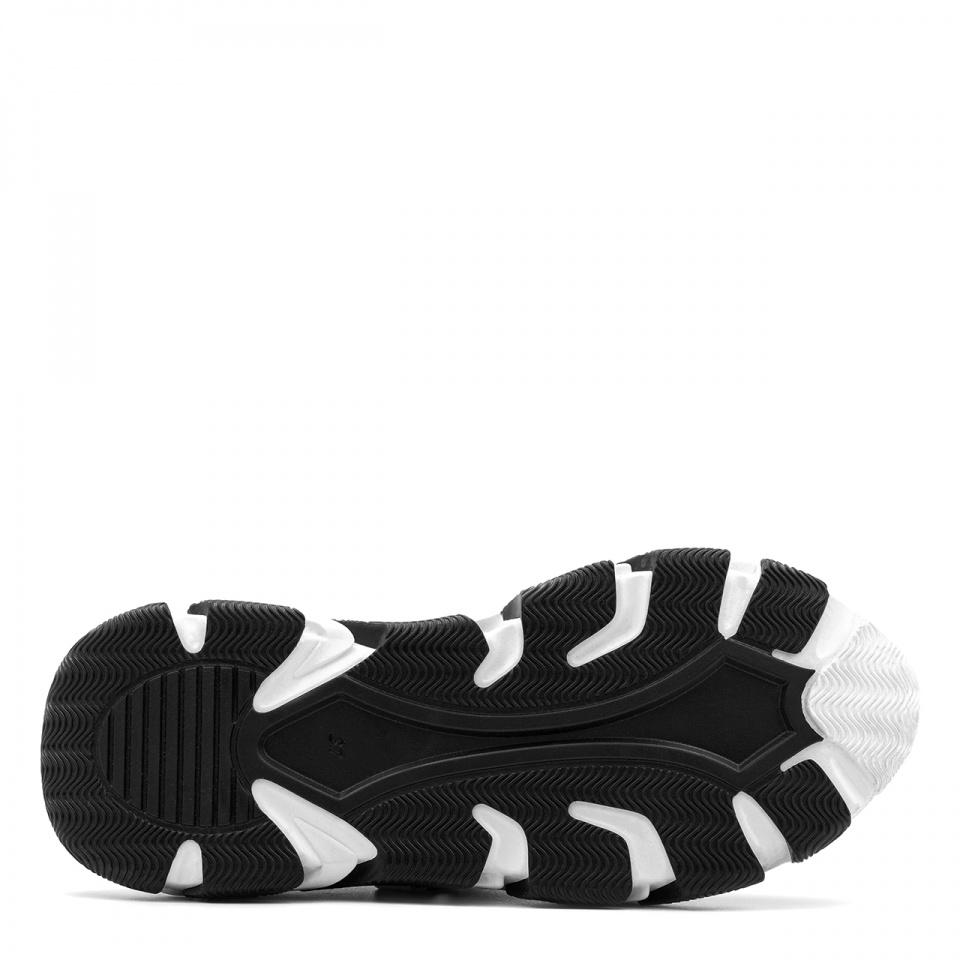 Czarne sportowe buty na grubej podeszwie 256D