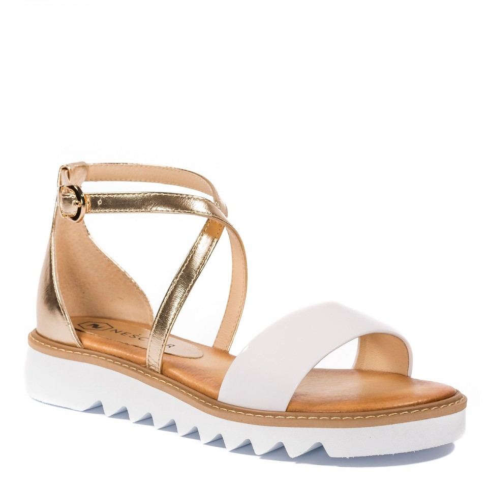 Białe skórzane sandały damskie ze złotymi paskami 67A
