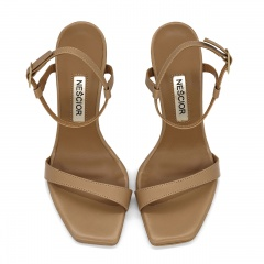 Karmelowe szpilki sandały z kwadratowym noskiem 116A