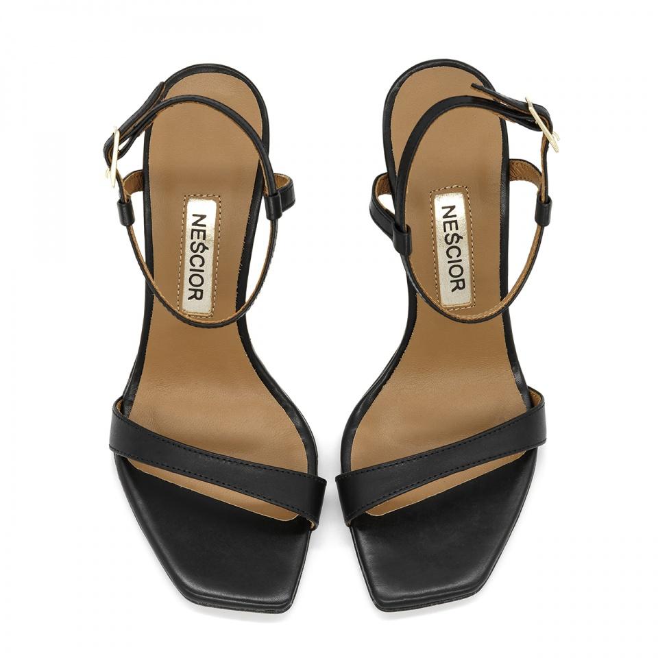 Czarne szpilki sandały z kwadratowym noskiem 116A