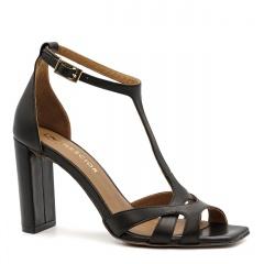 Czarne skórzane sandały z kwadratowym noskiem 133D