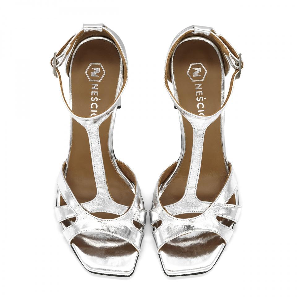 Srebrne skórzane sandały z kwadratowym noskiem 133D