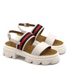 Białe skórzane sandały na grubej podeszwie 216T