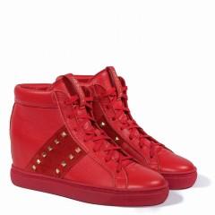 Czerwone skórzane sneakersy z ćwiekami