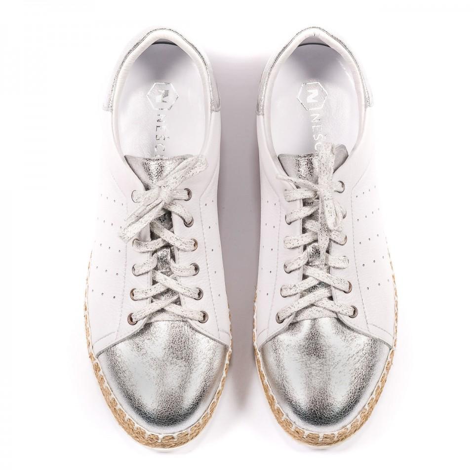 Białe sznurowane espadryle ze srebrnym przodem