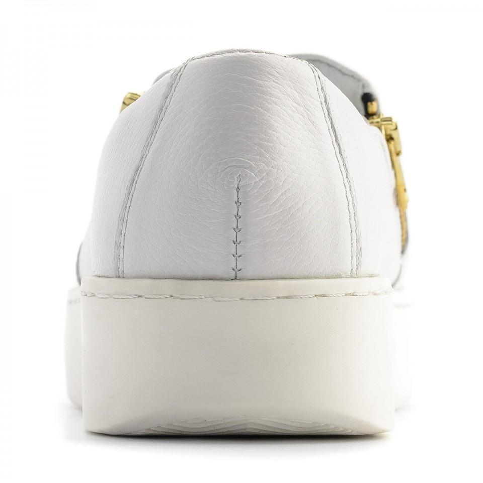 Białe skórzane slipony ze złotą ozdobą 63Z