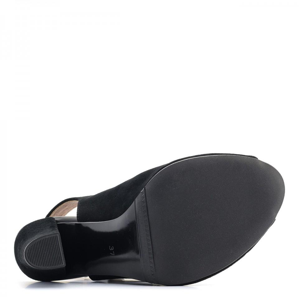 Czarne zamszowe botki bez pięty peep toe