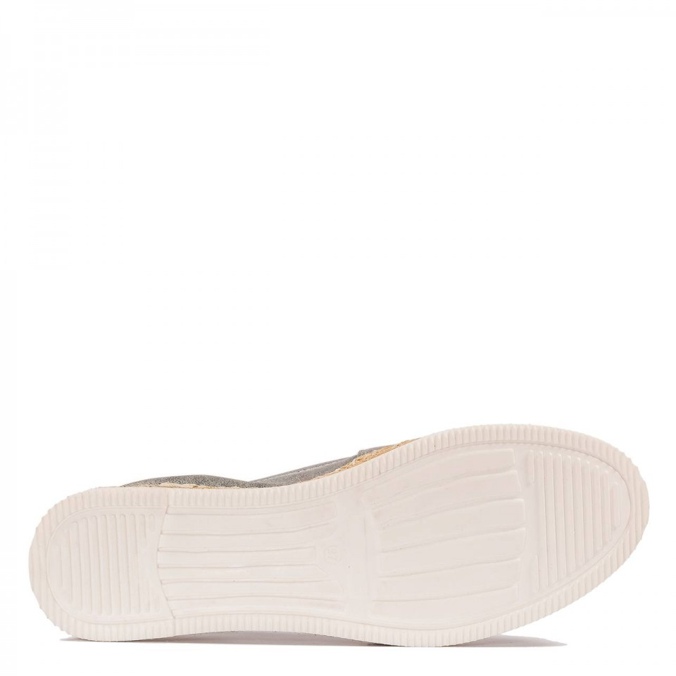 Srebrne skórzane espadryle z plecioną wstawką na czubku