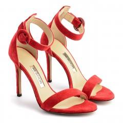 Czerwone zamszowe szpilki sandały zapinane wokół kostki