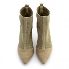 Beżowe letnie botki z tkaniny typu socks na wysokim obcasie