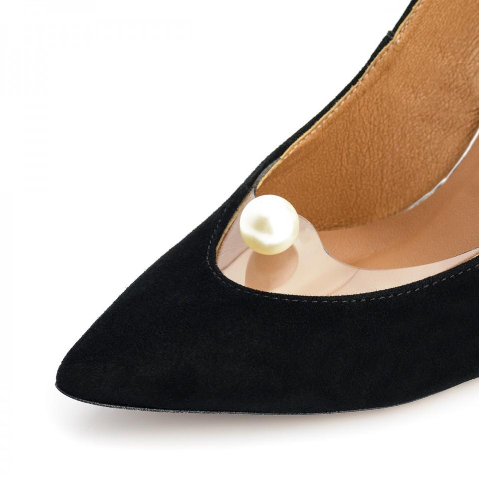 Czarne zamszowe szpilki z perłą
