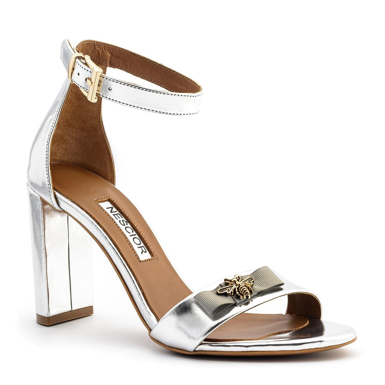 a4696a54f5c19 Srebrne skórzane sandały na słupku 33P - Neścior Sklep Firmowy