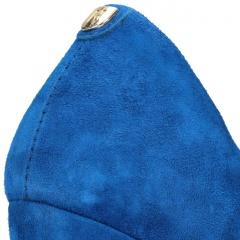 Niebieskie zamszowe czółenka na wysokim słupku