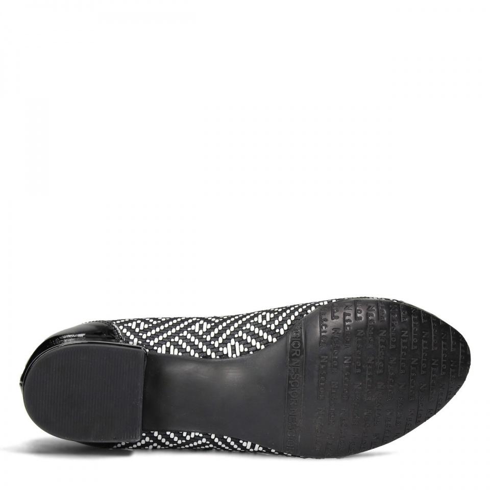 Czarne skórzane baleriny z mozaiką i kokardką na przodzie 57G