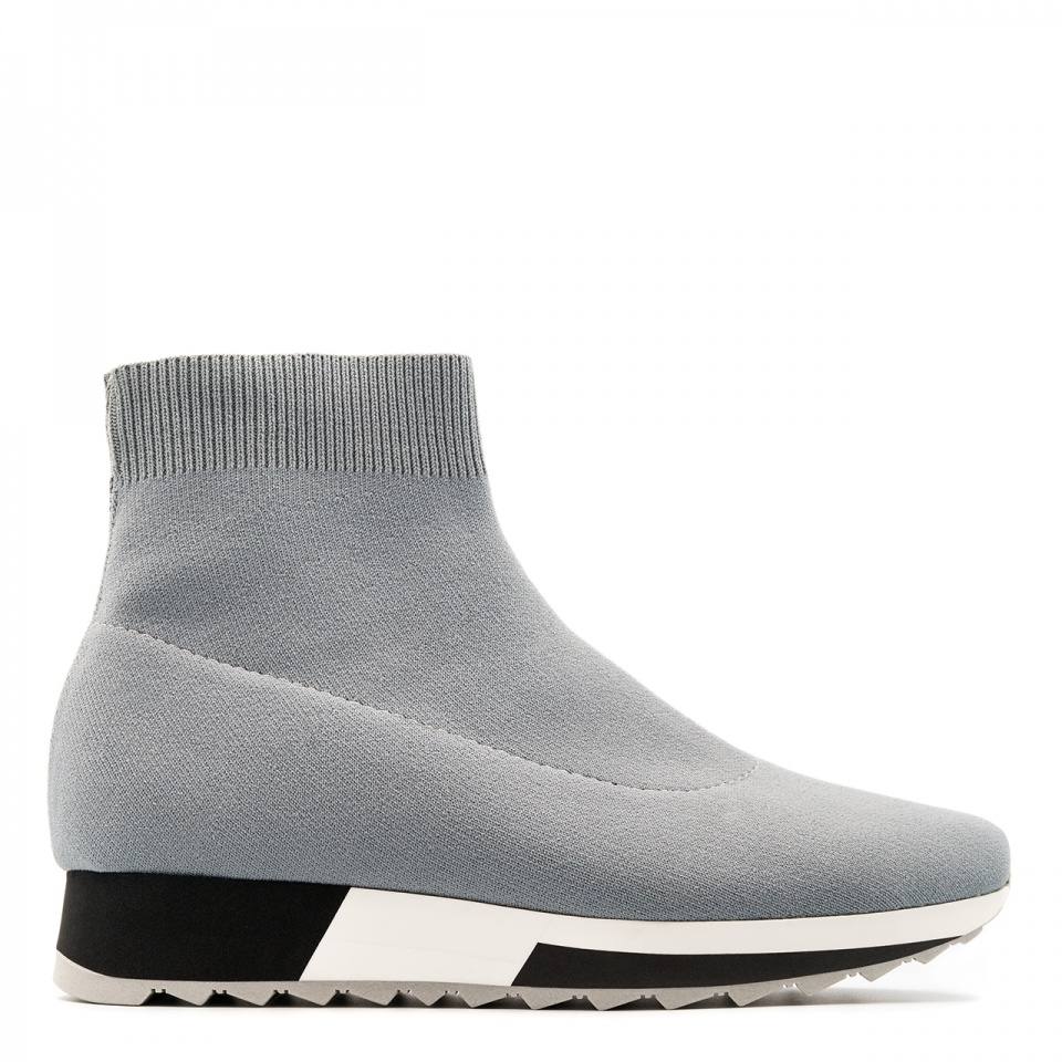 Szare sportowe sneakersy socks na białej podeszwie