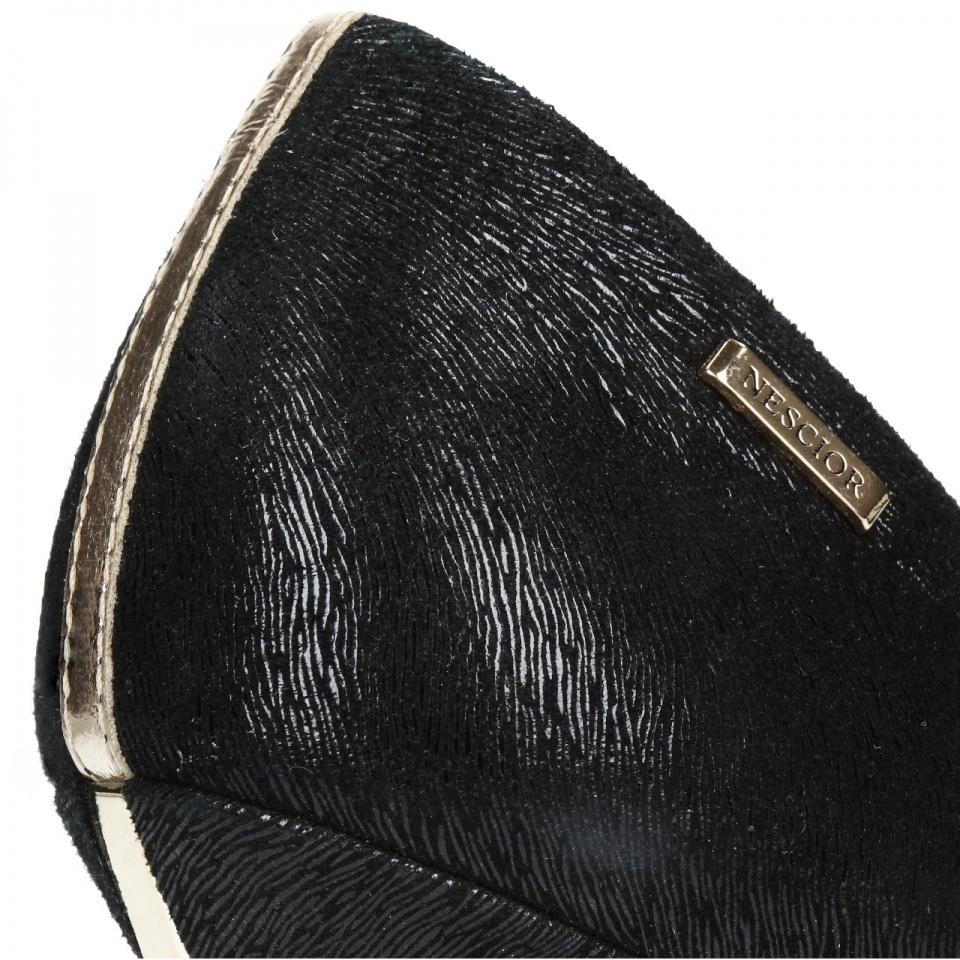 Czarne zamszowe szpilki ze złotym paskiem 92C