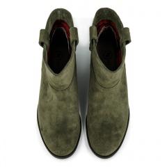 Welurowe botki koloru khaki z ukrytym koturnem 27B