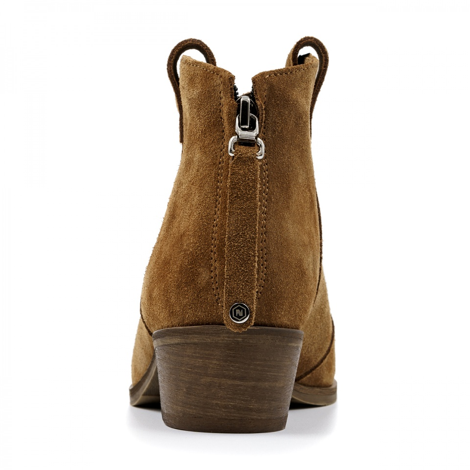 Damskie welurowe koniakowe botki z zamkiem na pięcie 28K