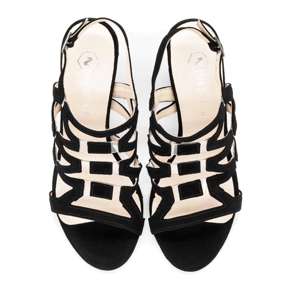 Ażurowe czarne zamszowe sandały na wysokim słupku 92DX