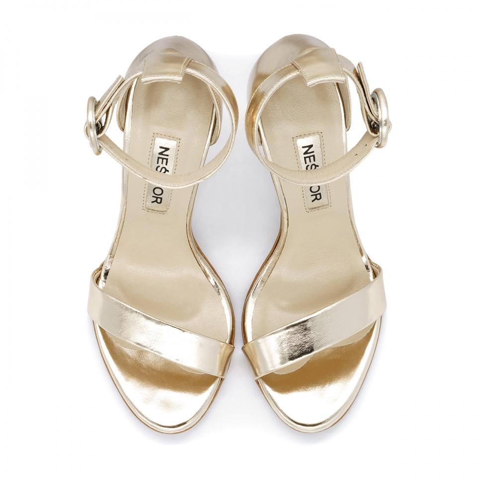 Złote skórzane szpilki sandały zapinane wokół kostki 103P