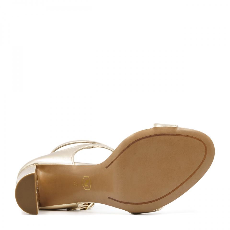 Złote skórzane sandały na słupku 33L