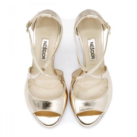 9cc11538eff60 Złote skórzane sandały na słupku 33A Złote skórzane sandały na słupku 33A