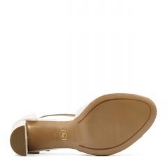 Beżowe skórzane sandały na słupku 33A