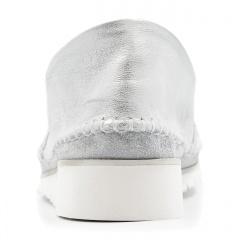 Perłowo srebrne skórzane szyte mokasyny 292