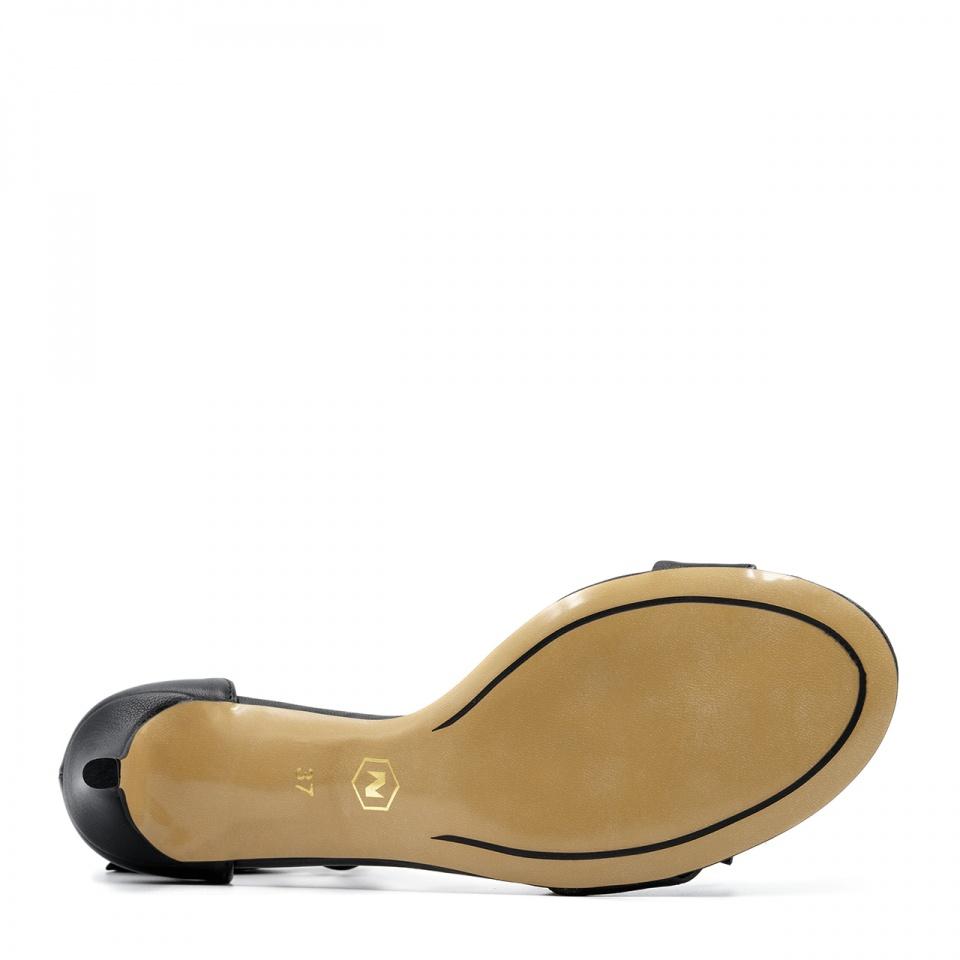 Czarne skórzane szpilki sandały wiązane wokół kostki 115K