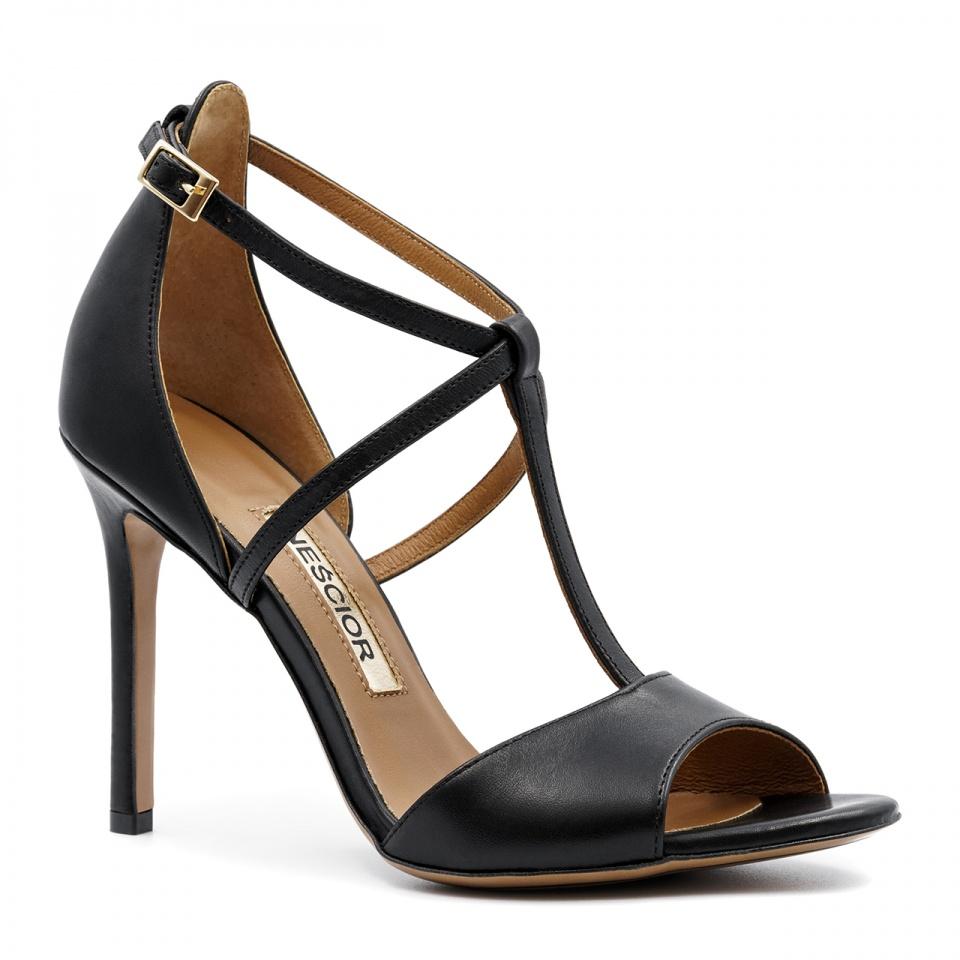 Czarne skórzane sandały na szpilce ze skrzyżowanymi paseczkami 103B