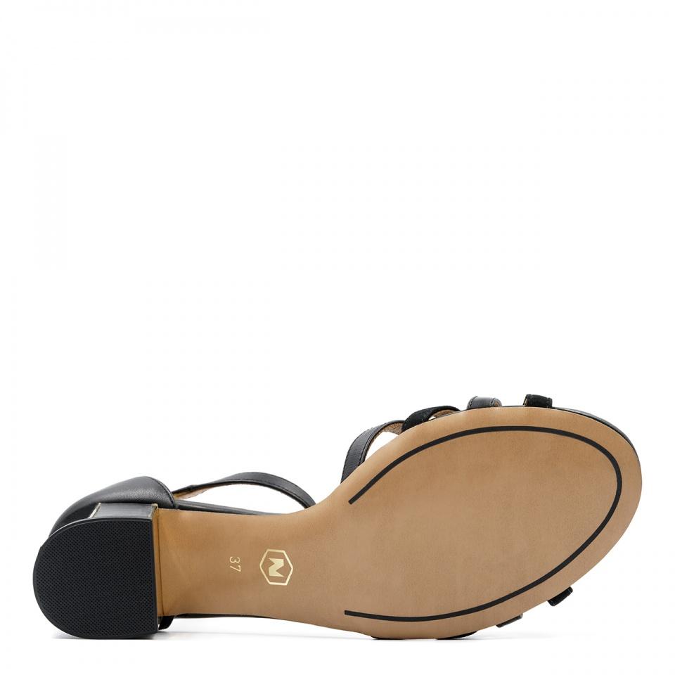 Czarne skórzane sandały na ozdobnym obcasie 268B
