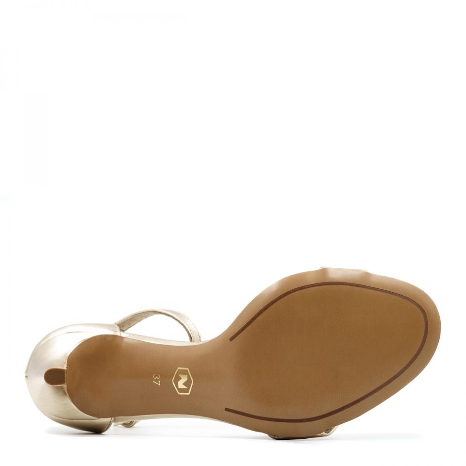Złote skórzane szpilki sandały zapinane wokół kostki 114P