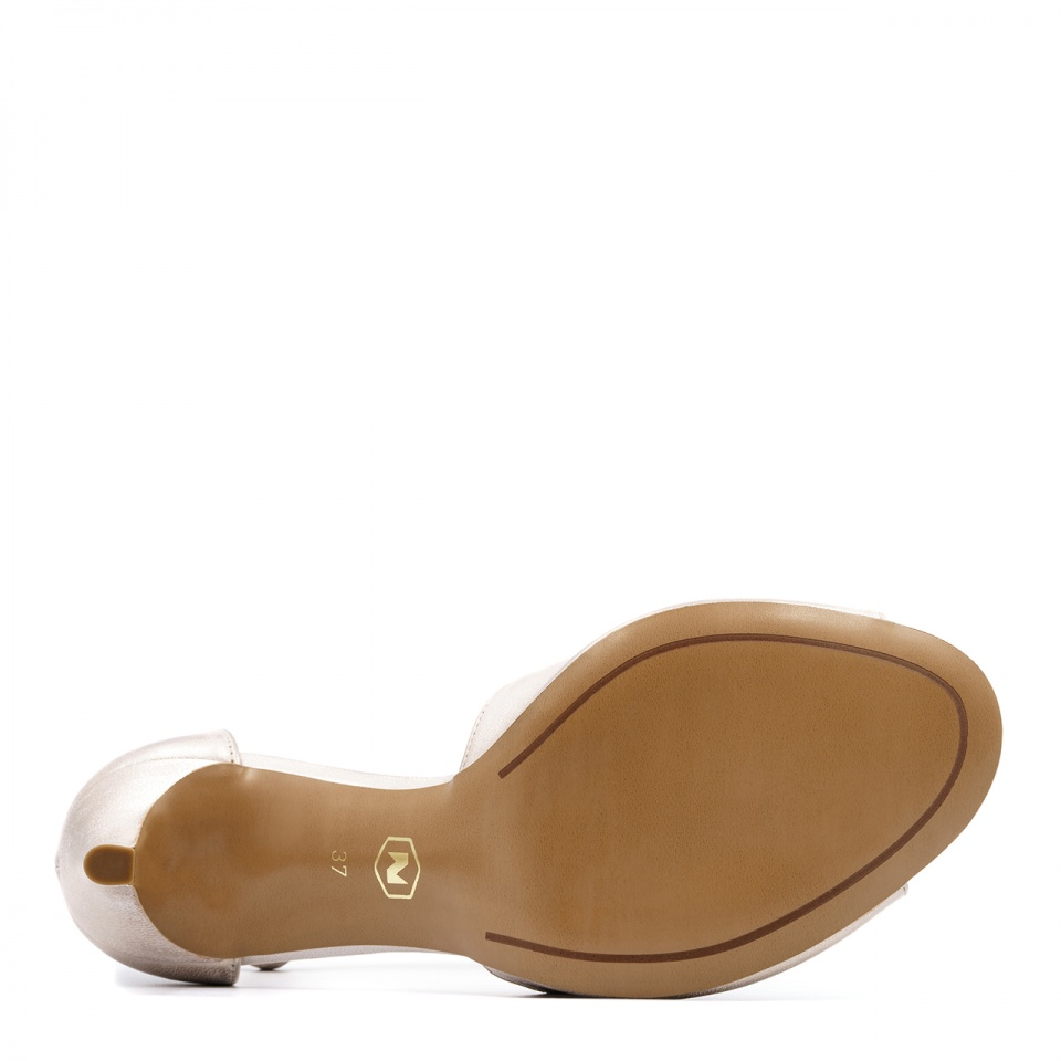Perłowo różowe skórzane szpilki sandały ze skrzyżowanymi paseczkami 114E