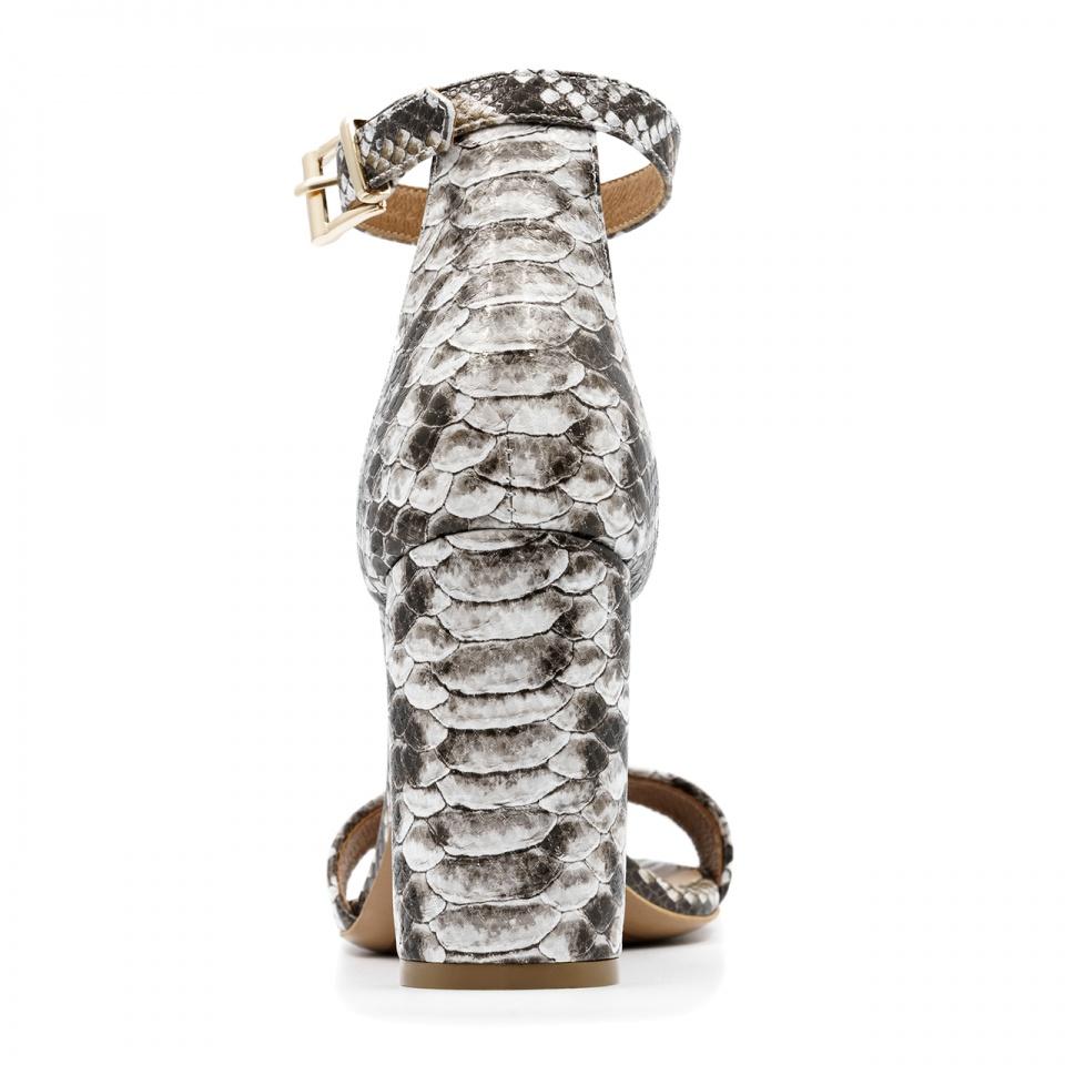 Biało szare skórzane sandały z motywem  krokodyla na wysokim słupku 33G