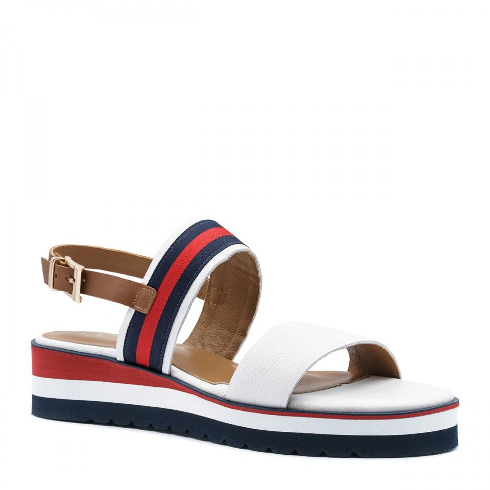 Kolorowe skórzane sandały na niskim koturnie 67T