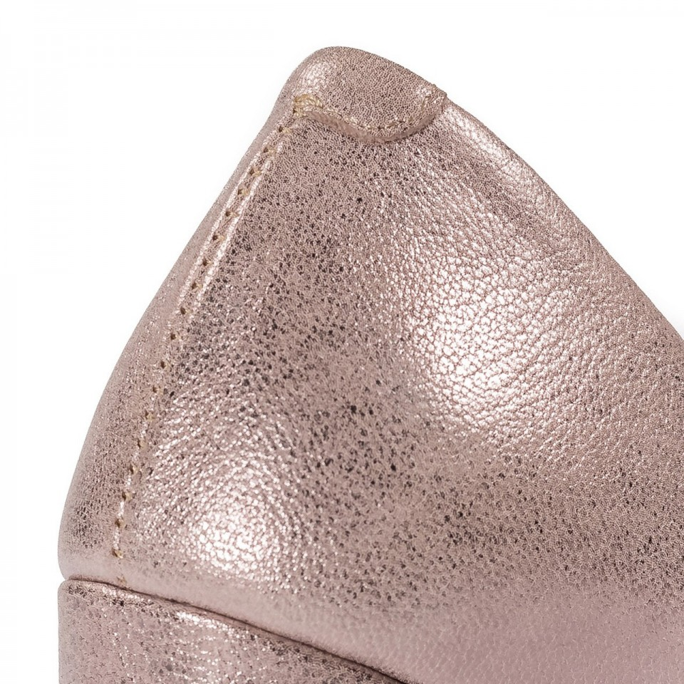 Perłowo-beżowe skórzane czółenka open toe na słupku