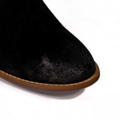 Czarne welurowe botki z luźną cholewką 13A
