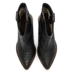 Czarne skórzane botki w stylu country w krokodyli wzór na słupku 111R