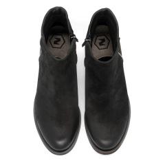 Czarne nubukowe botki