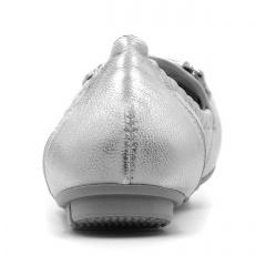 Srebrne skórzane mokasyny baleriny ze srebrną ozdobą 227B