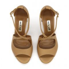 Karmelowe skórzane sandały na słupku 33A