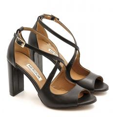 Czarne skórzane sandały na słupku 33A