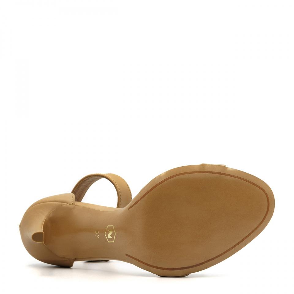 Beżowe skórzane szpilki sandały zapinane wokół kostki 103P